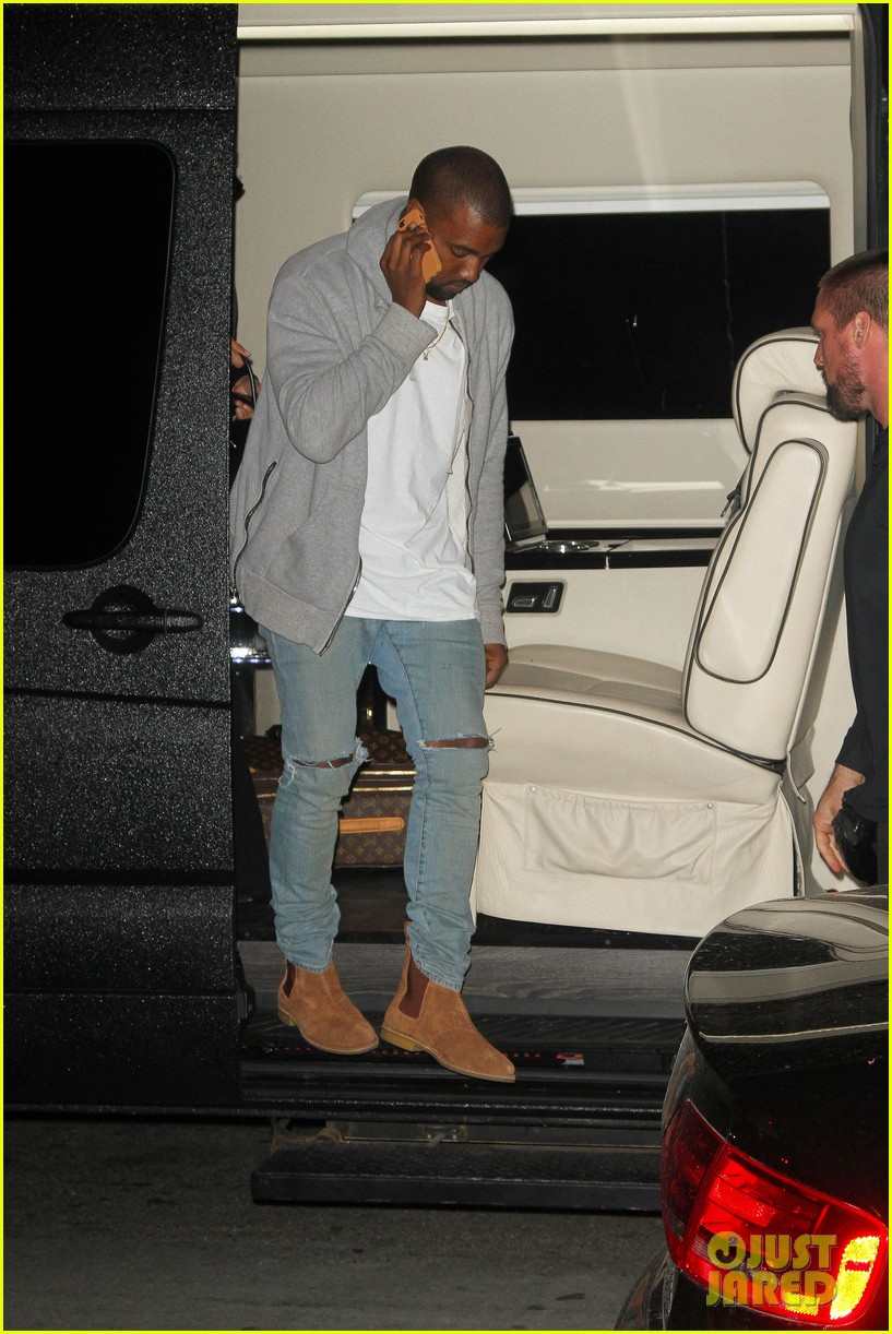kim kardashian kanye west arrive in nyc after wedding rumors 27