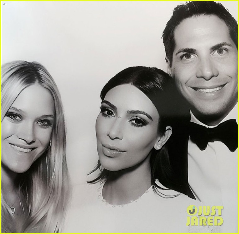 kim kardashian kanye west wedding photo booth 02