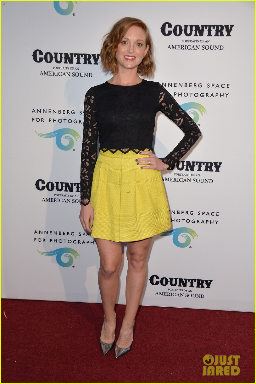 jaime king mandy moore annenberg space for photography country exhibit 053120374