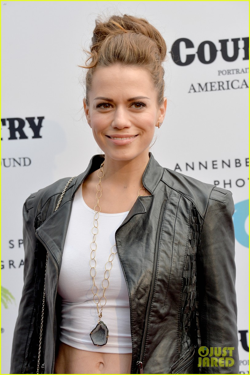 jaime king mandy moore annenberg space for photography country exhibit 19