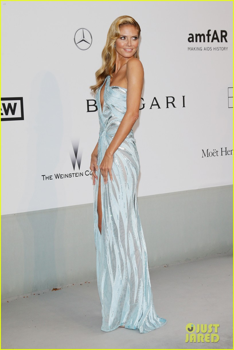 heidi klum rocks high slit dress at cannes amfar gala 2014 103120031