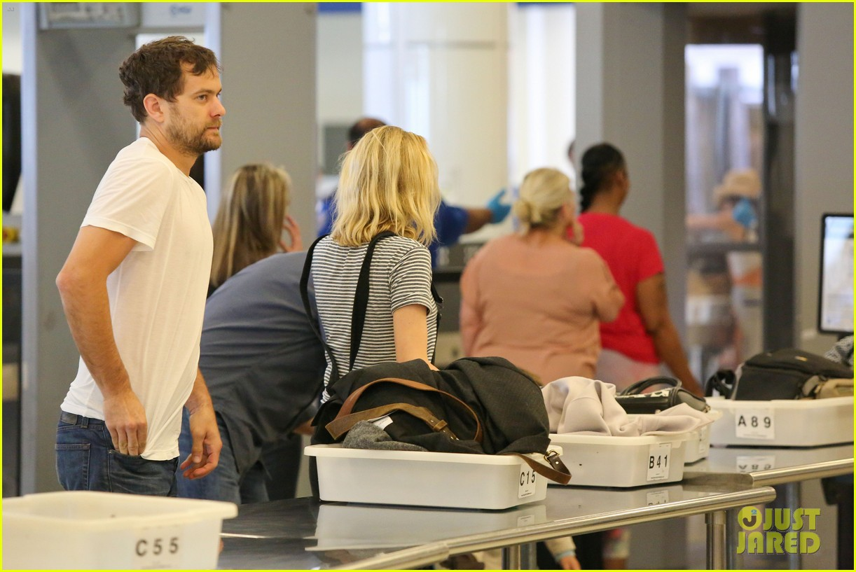 diane kruger joshua jackson take flight at lax 14