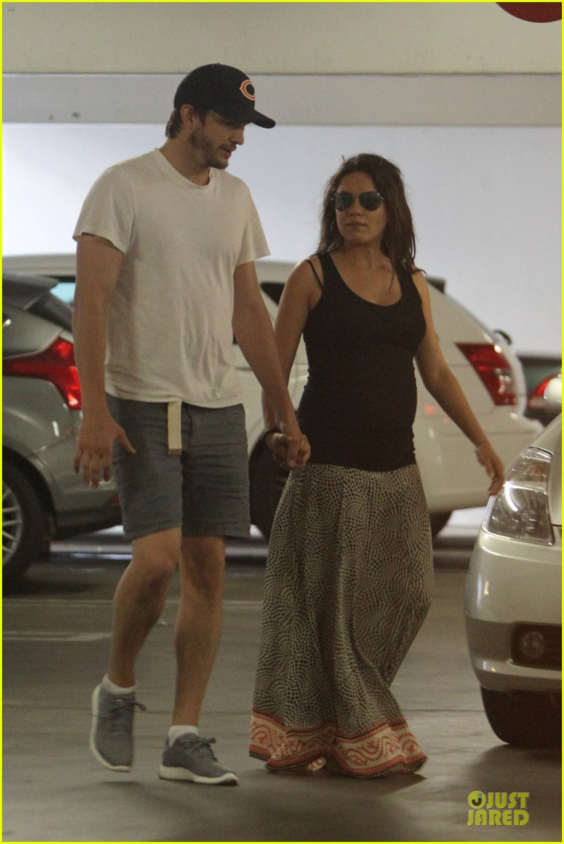 mila kunis ashton kutcher wine tasting party 323117061