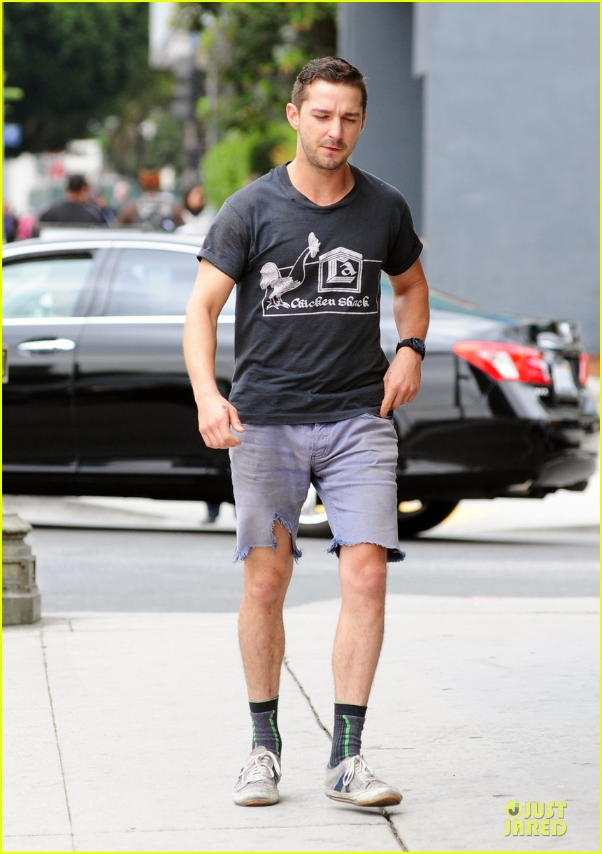 shia labeouf fried chicken chicken shack 11