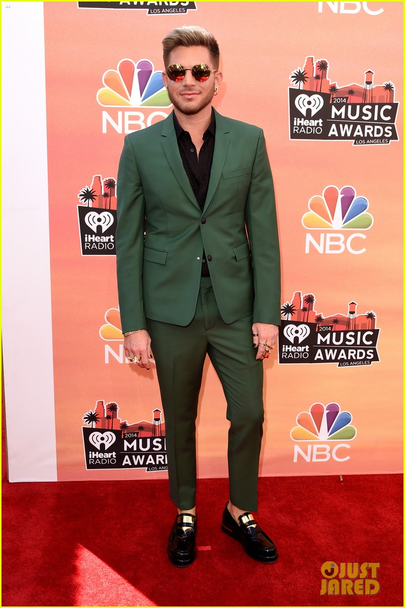 adam lambert iheartradio music awards 2014 03