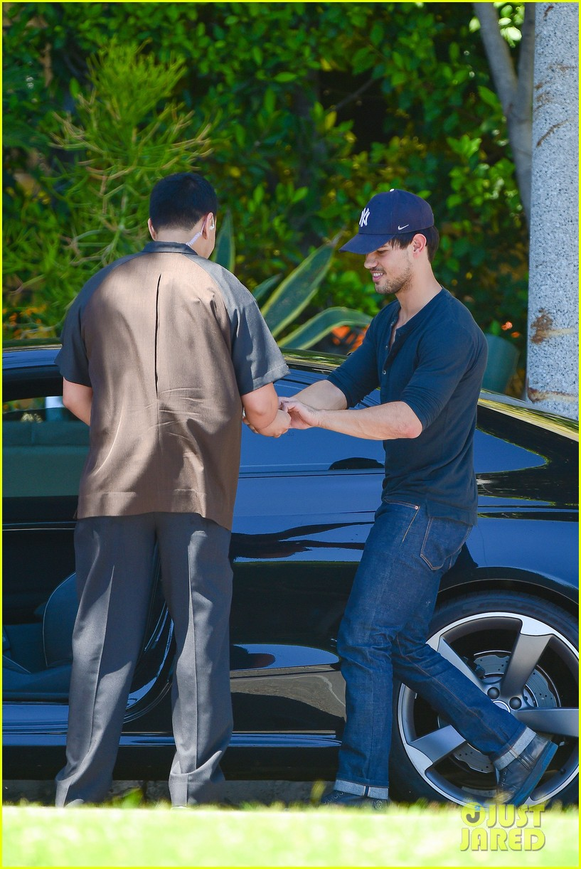 taylor lautner fantastically talanted does his own stunts 06