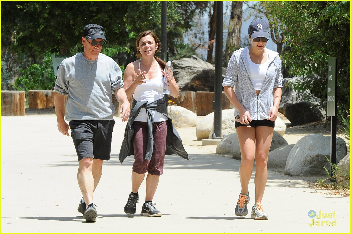 lea michele hike parents funny girl 033109883