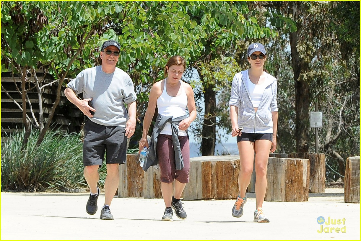lea michele hike parents funny girl 05