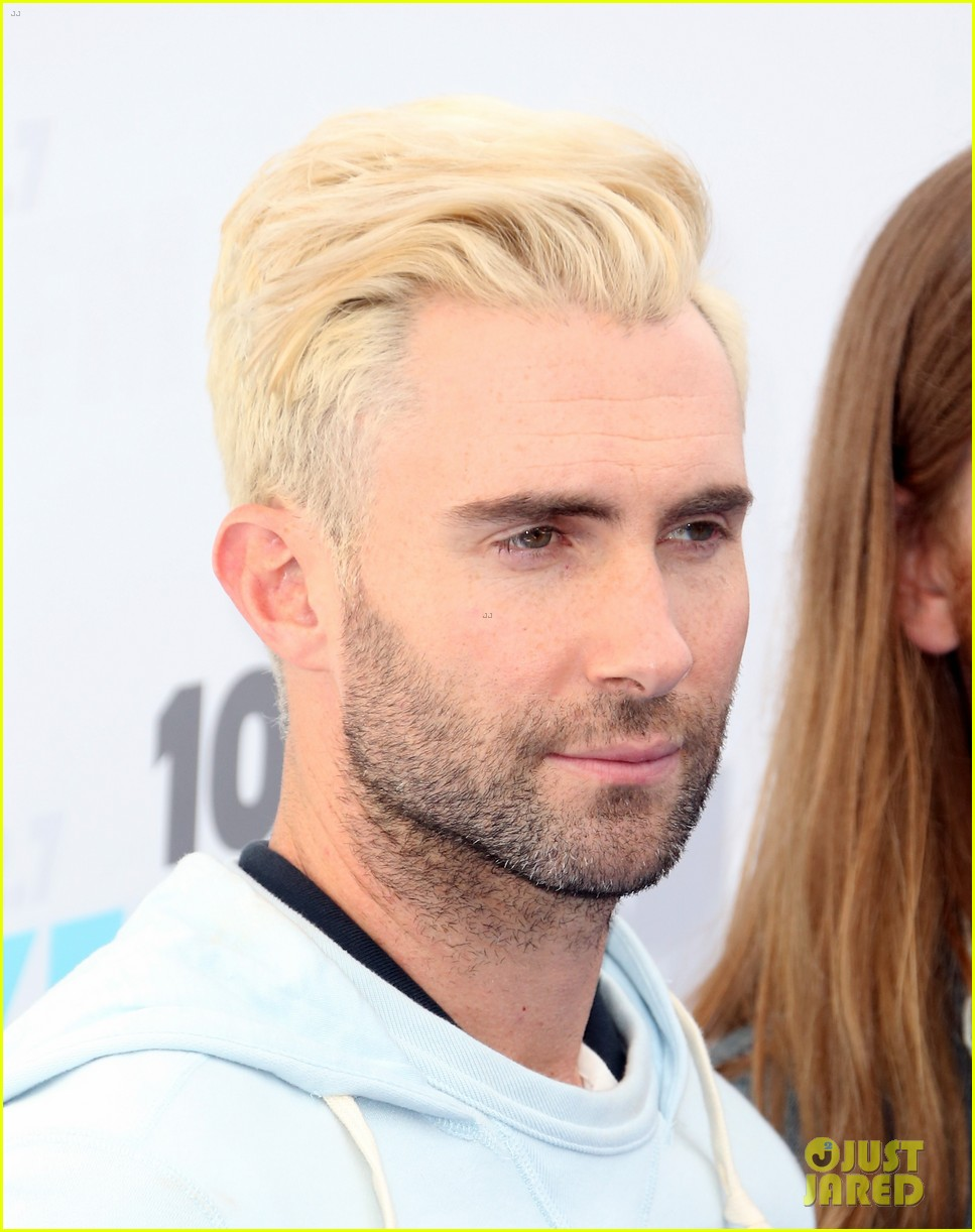 adam levine makes a funny face still is sexiest man alive 053110513