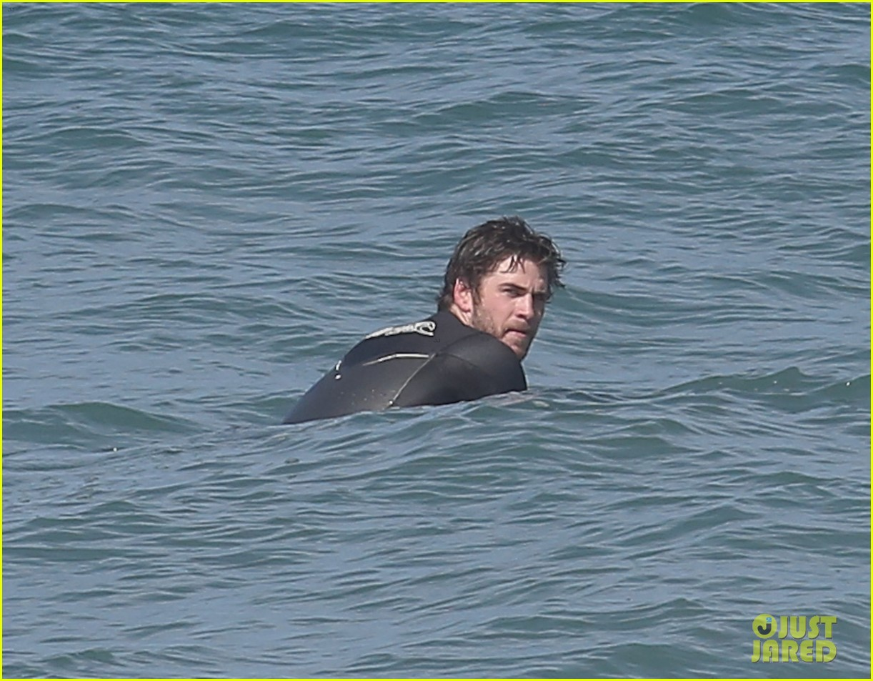 liam hemsworth hits waves malibu brother luke 053105141