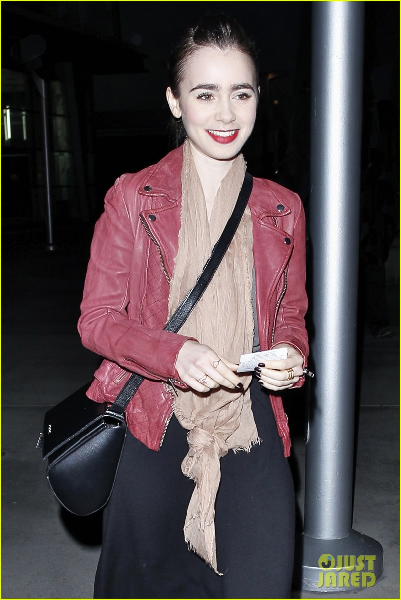 lily collins theater spider man 2 screening 033108568