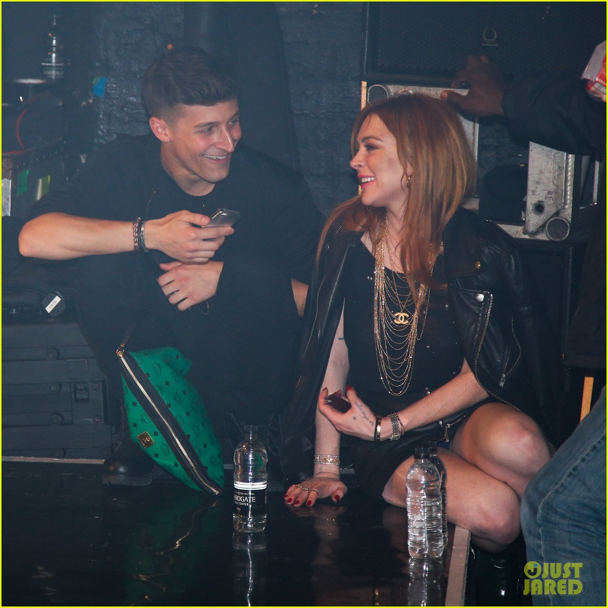 lindsay lohan side stage rita ora london show 16