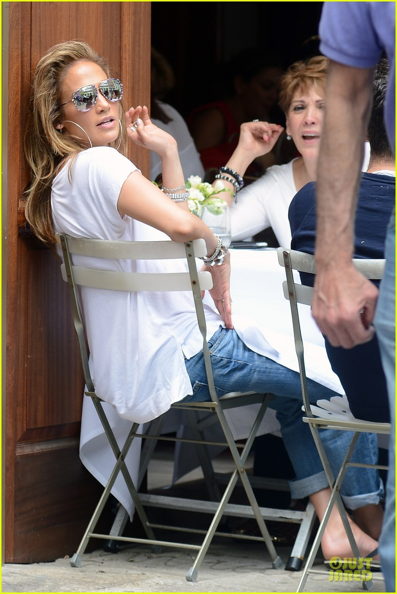 jennifer lopez mom guadalupe spend time after mothers day 14