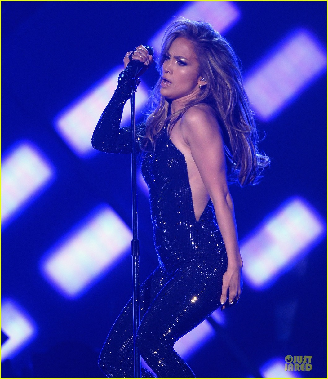 jennifer lopez performs first love billboard icon 103116989