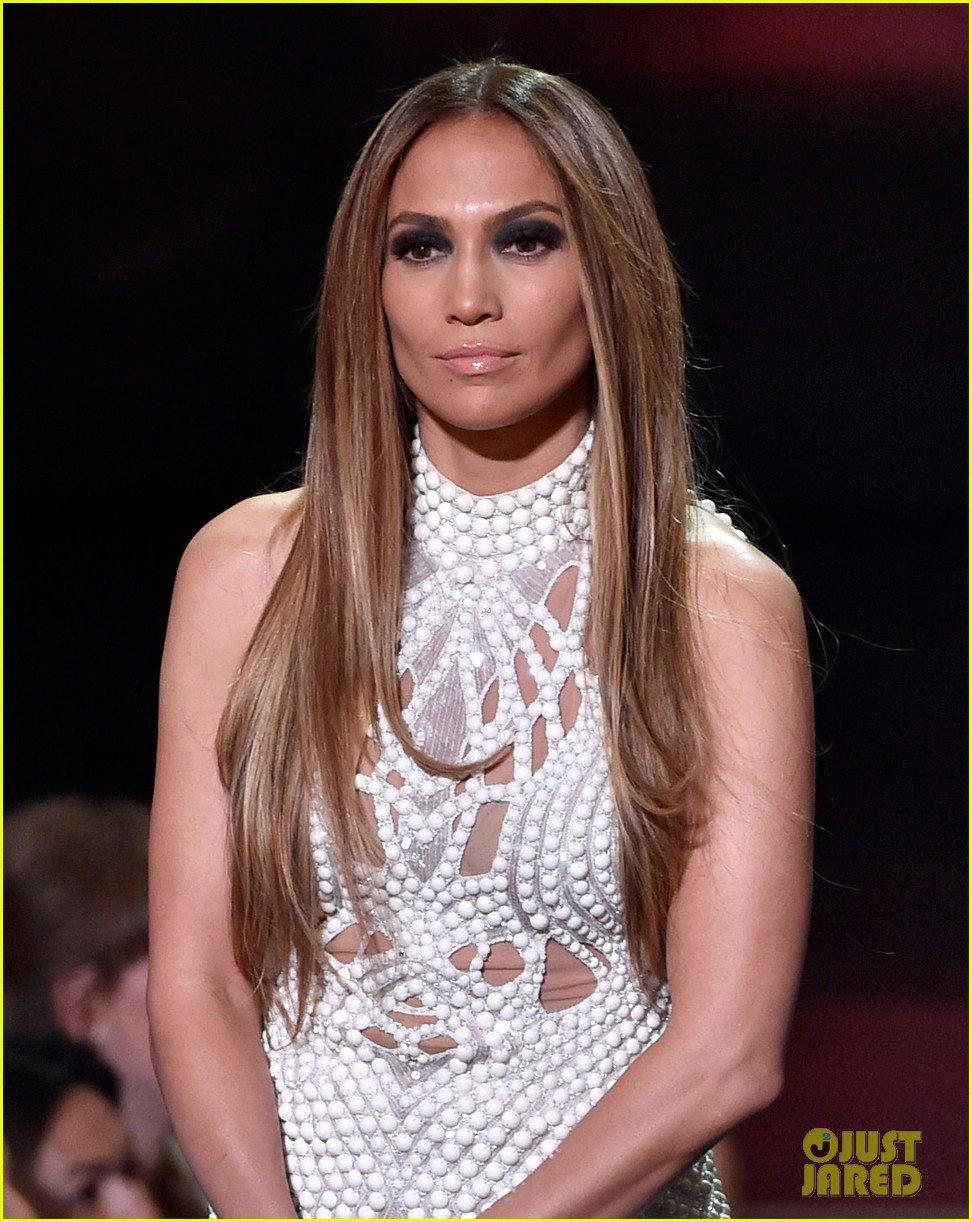 jennifer lopez goes from idol to iheartradio music awards 083103548