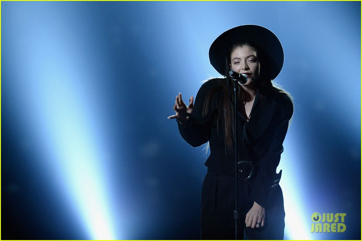 lorde tennis court performance bbmas 08