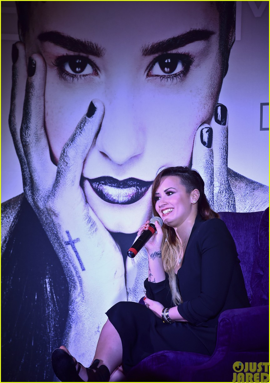 demi lovato takes the stage in mexico043115690