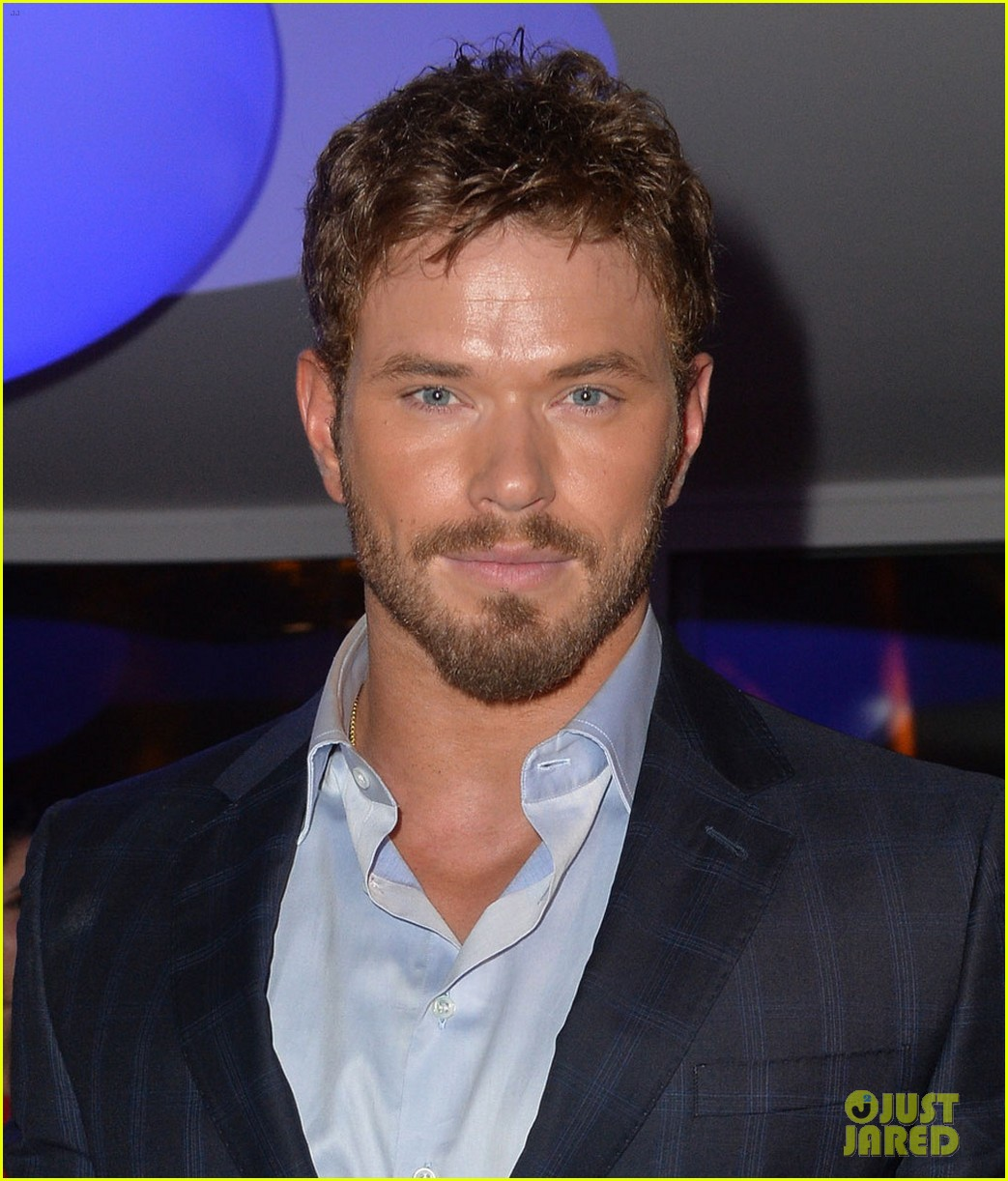 kellan lutz suki waterhouse armani cannes party 02