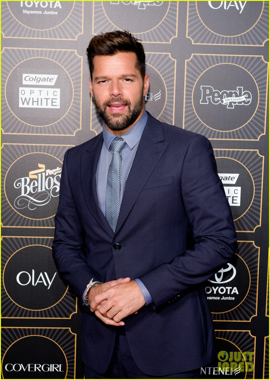 ricky martin suits up for people en espanols annual 50 mas bellos 033112298