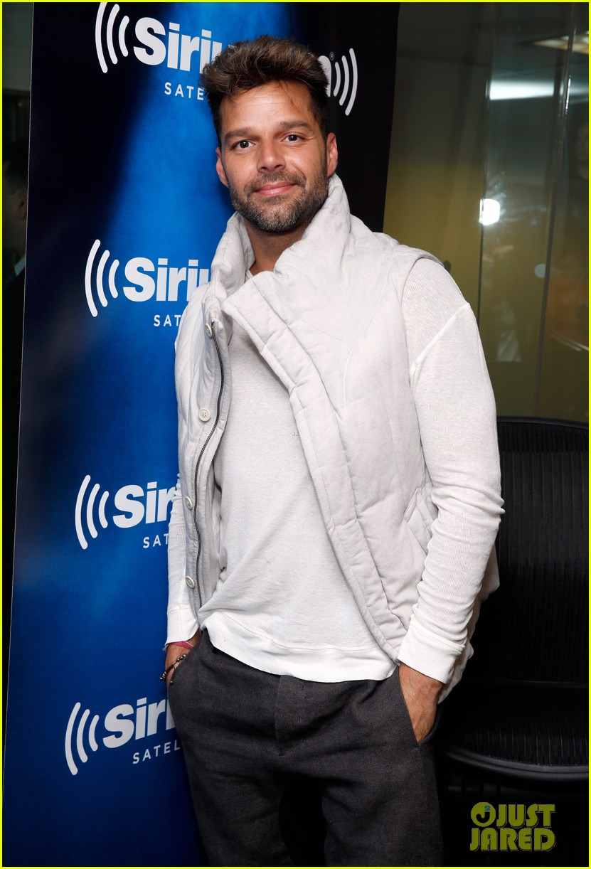 ricky martin id love to come out again 07