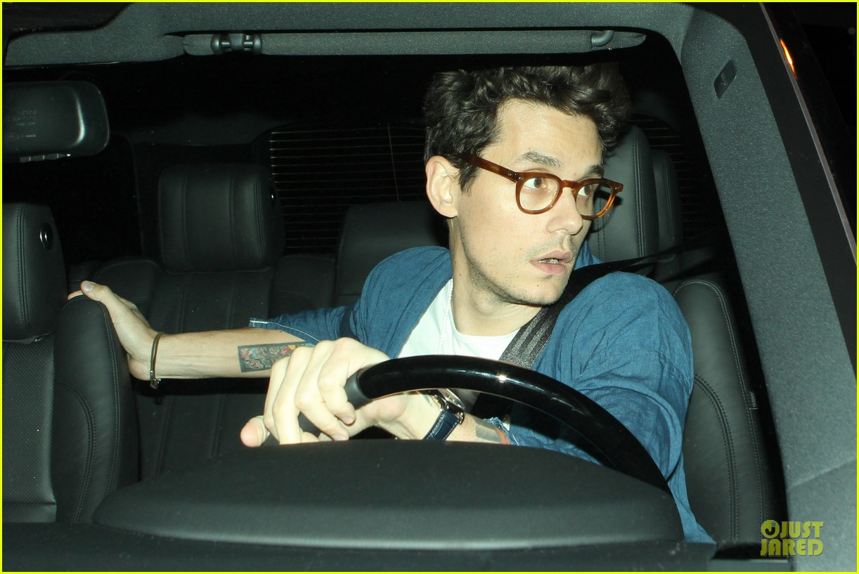 john mayer pays tribute to ferry victims 08