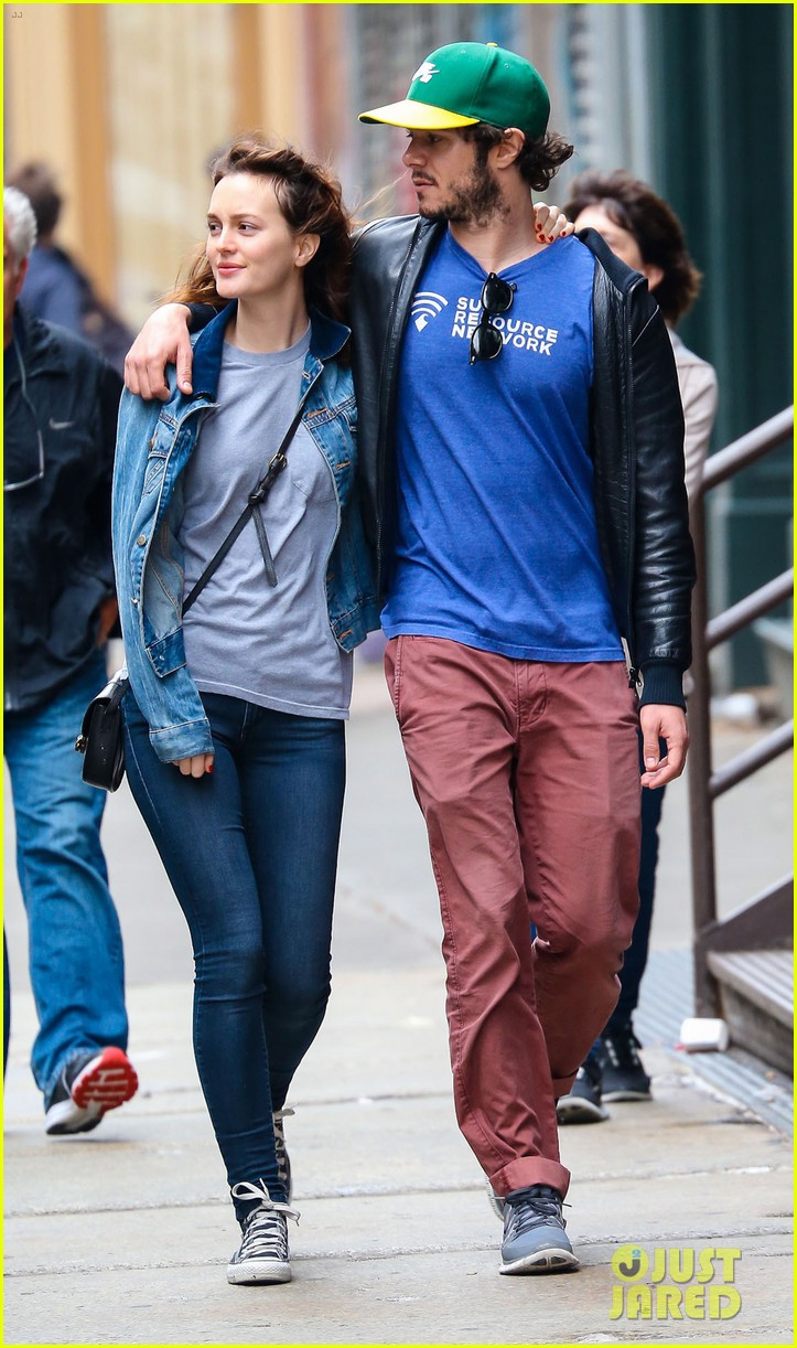 leighton meester adam brody cutest couple 103114596