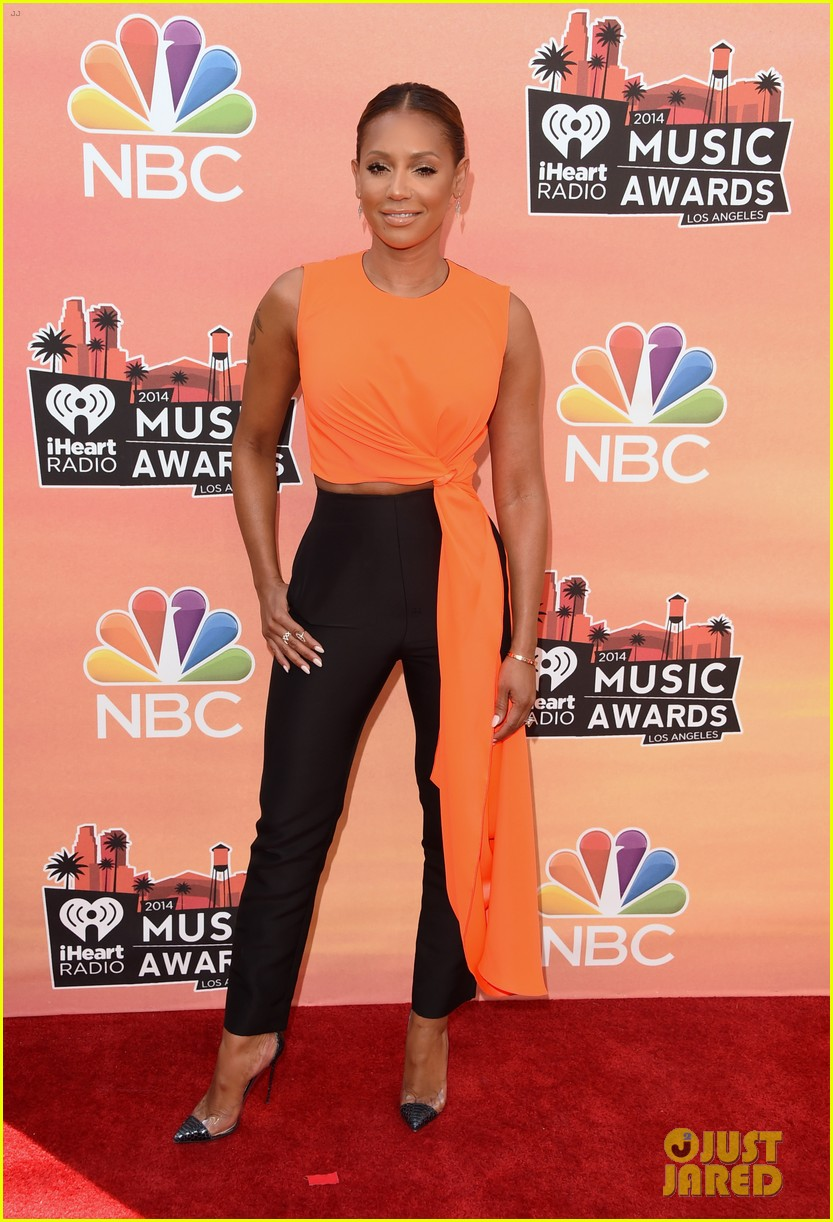mel b linda perry iheartradio music awards 2014 01