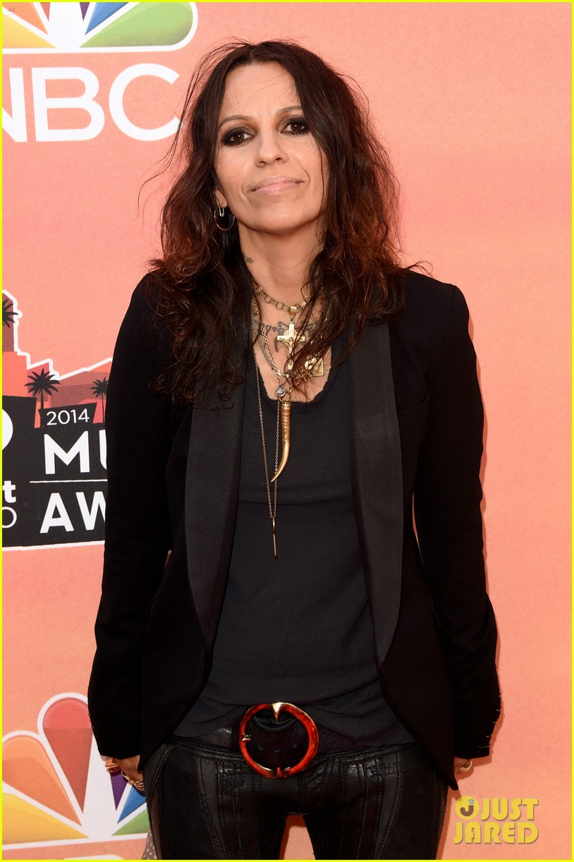 mel b linda perry iheartradio music awards 2014 04