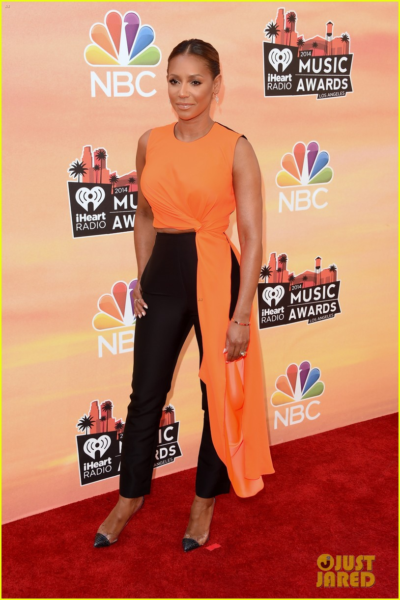 mel b linda perry iheartradio music awards 2014 06