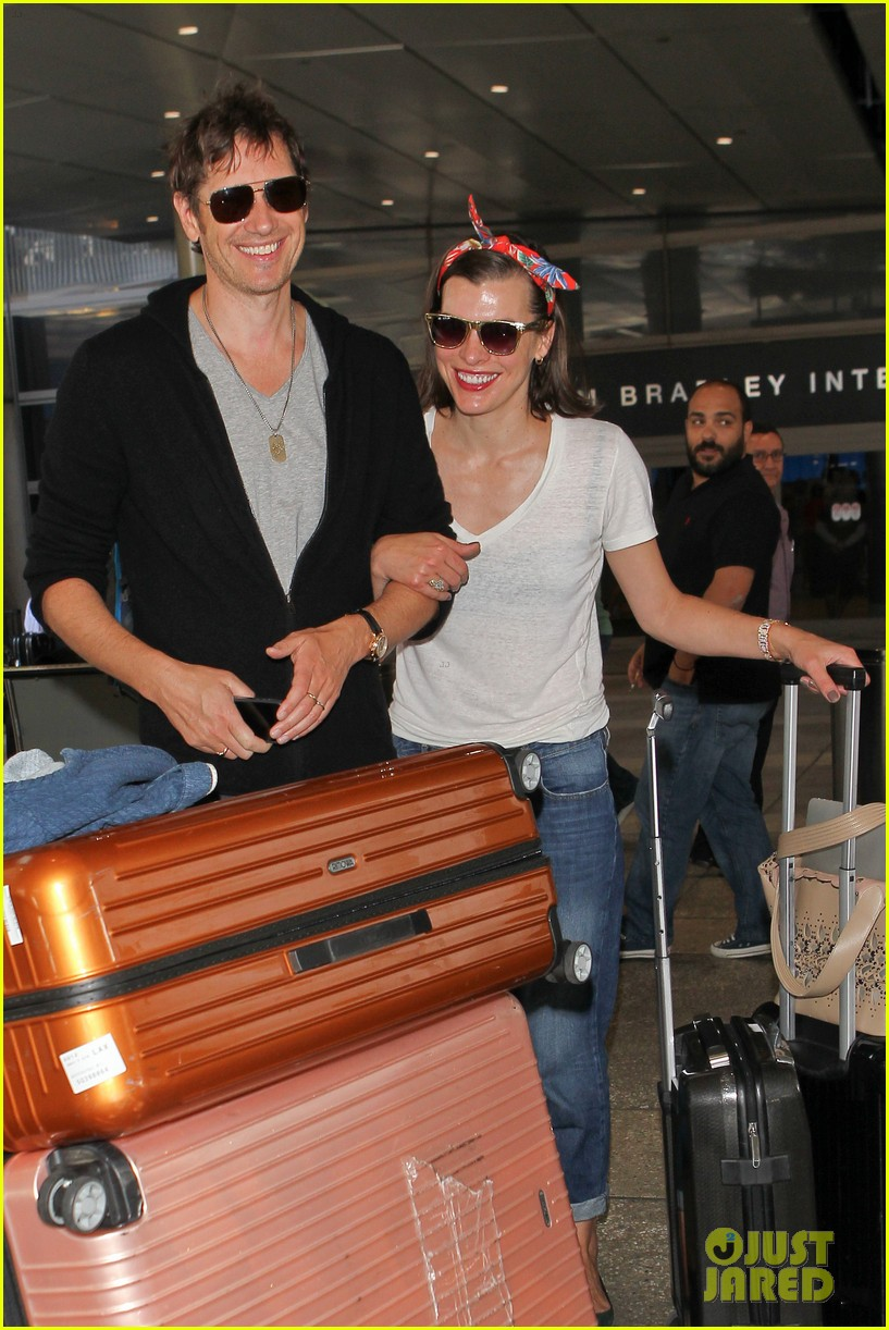milla jovovich paul ws anderson look so in love 11
