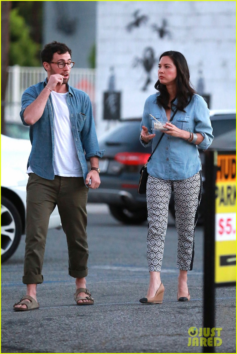 olivia munn steps out after aaron rodgers dating rumors 173113847