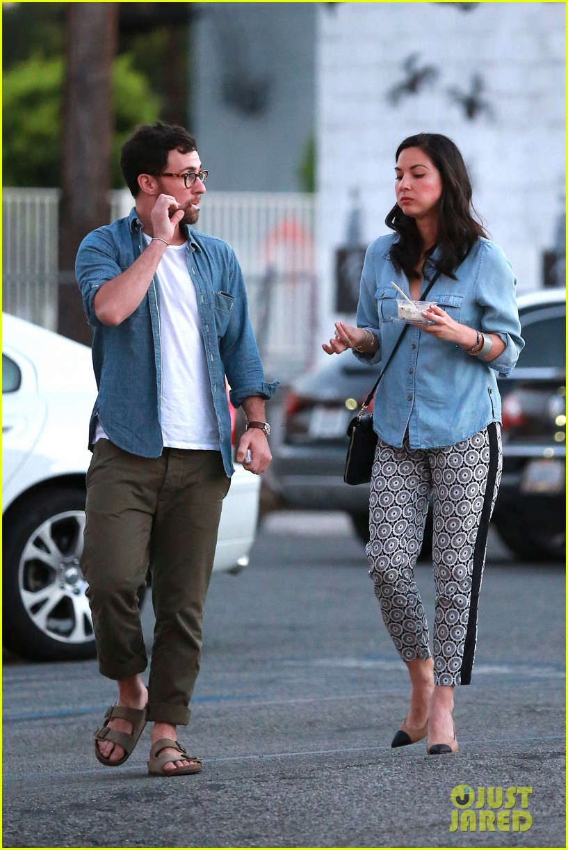 olivia munn steps out after aaron rodgers dating rumors 223113852