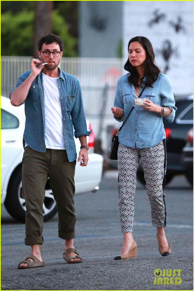 olivia munn steps out after aaron rodgers dating rumors 24