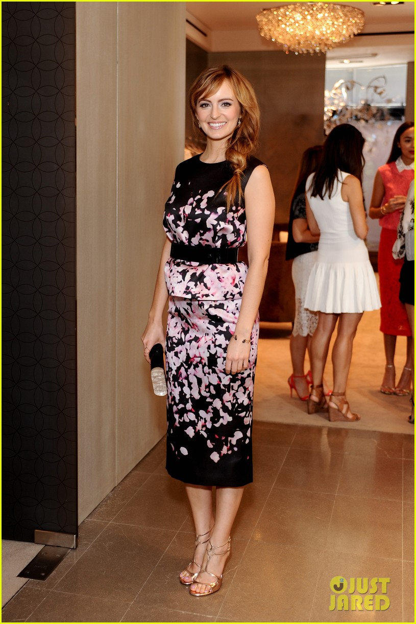 ashley madekwe ahna oreilly monique lhuillier fashion show 013119094