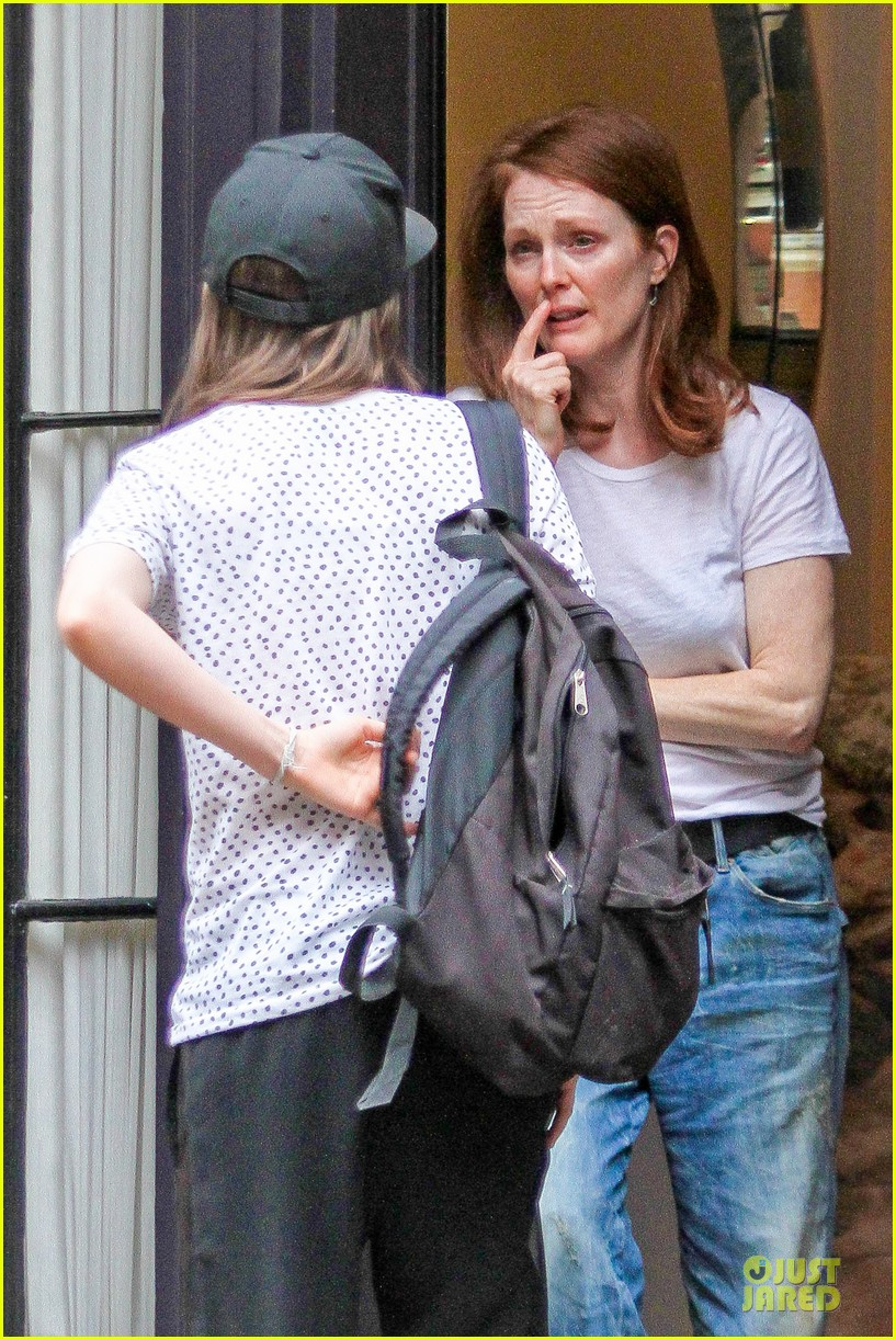 ellen page julianne moore chemistry for freeheld 043112235