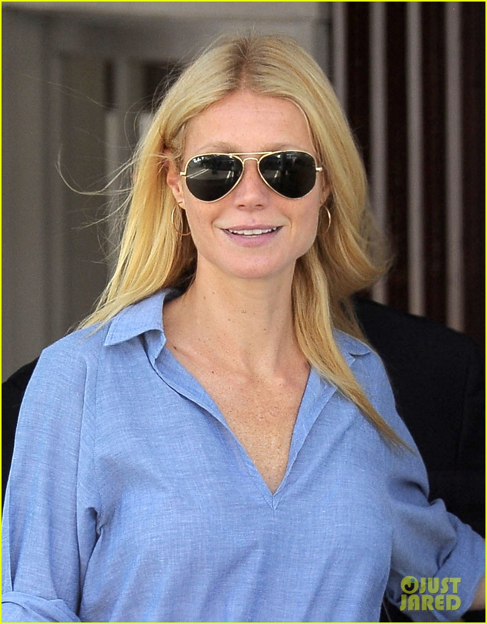 gwyneth paltrow writes blog post to end the mommy wars 11
