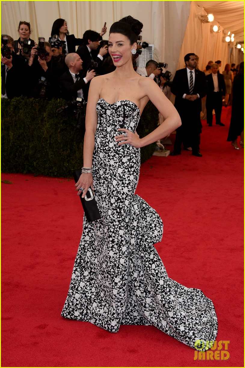 jessica pare met ball 2014 red carpet 033105911
