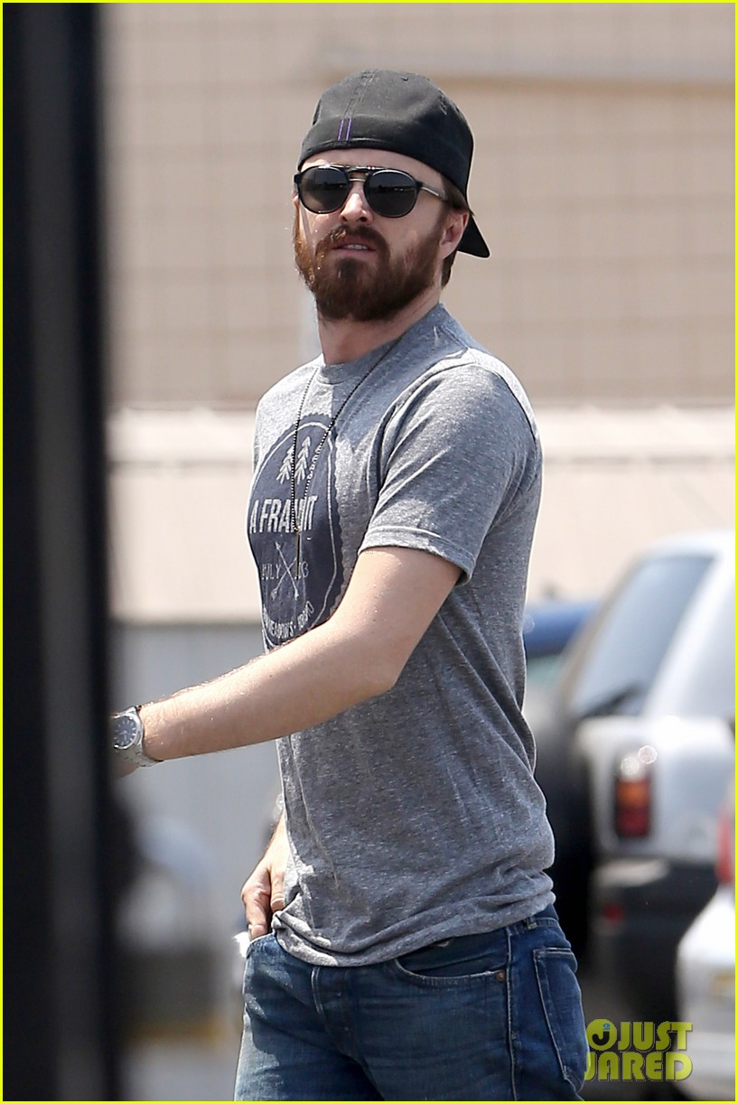 aaron paul sports super scruffy beard on holiday weekend 01