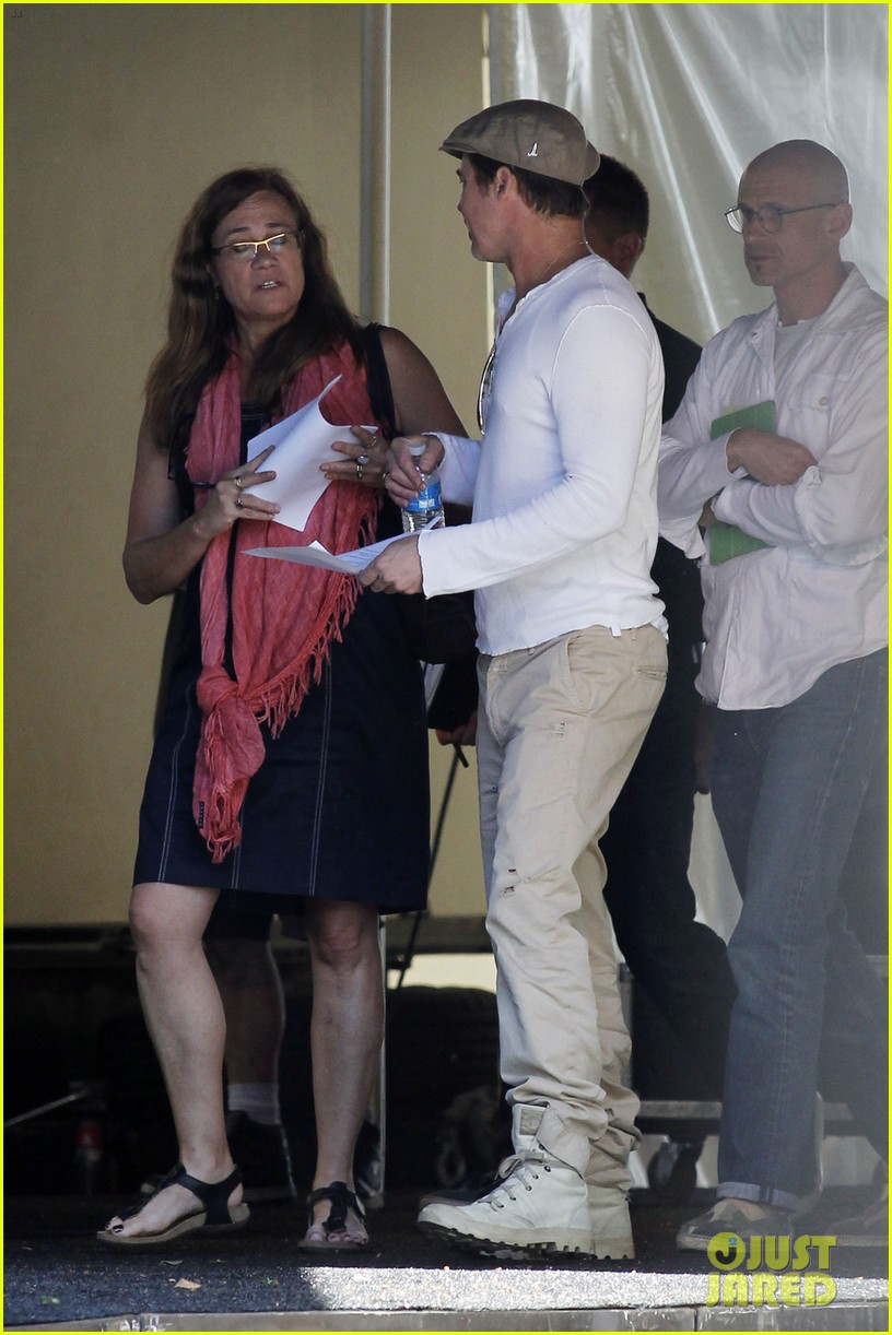 brad pitt preps for the make it right gala in new orleans 023114349