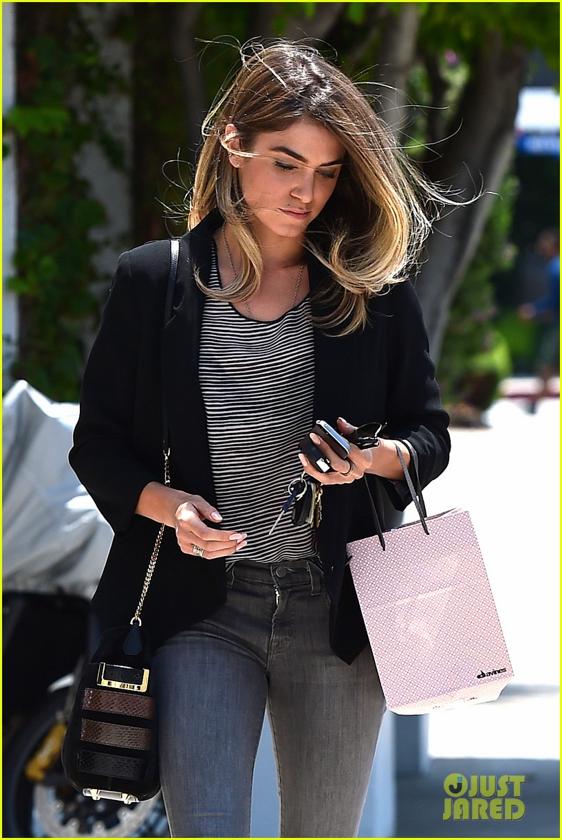 nikki reed blonde sunday horse 163120934