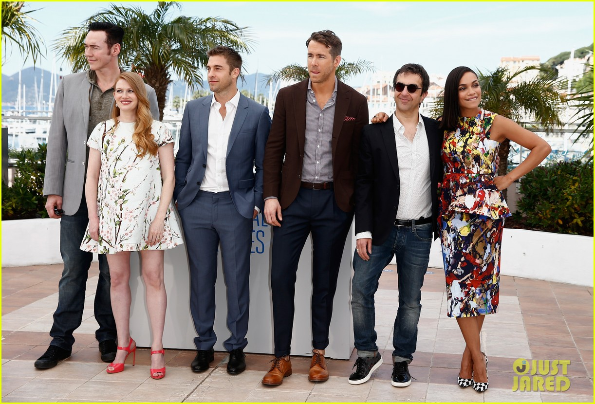 ryan reynolds rosario dawson hit up the cannes festival 103114873