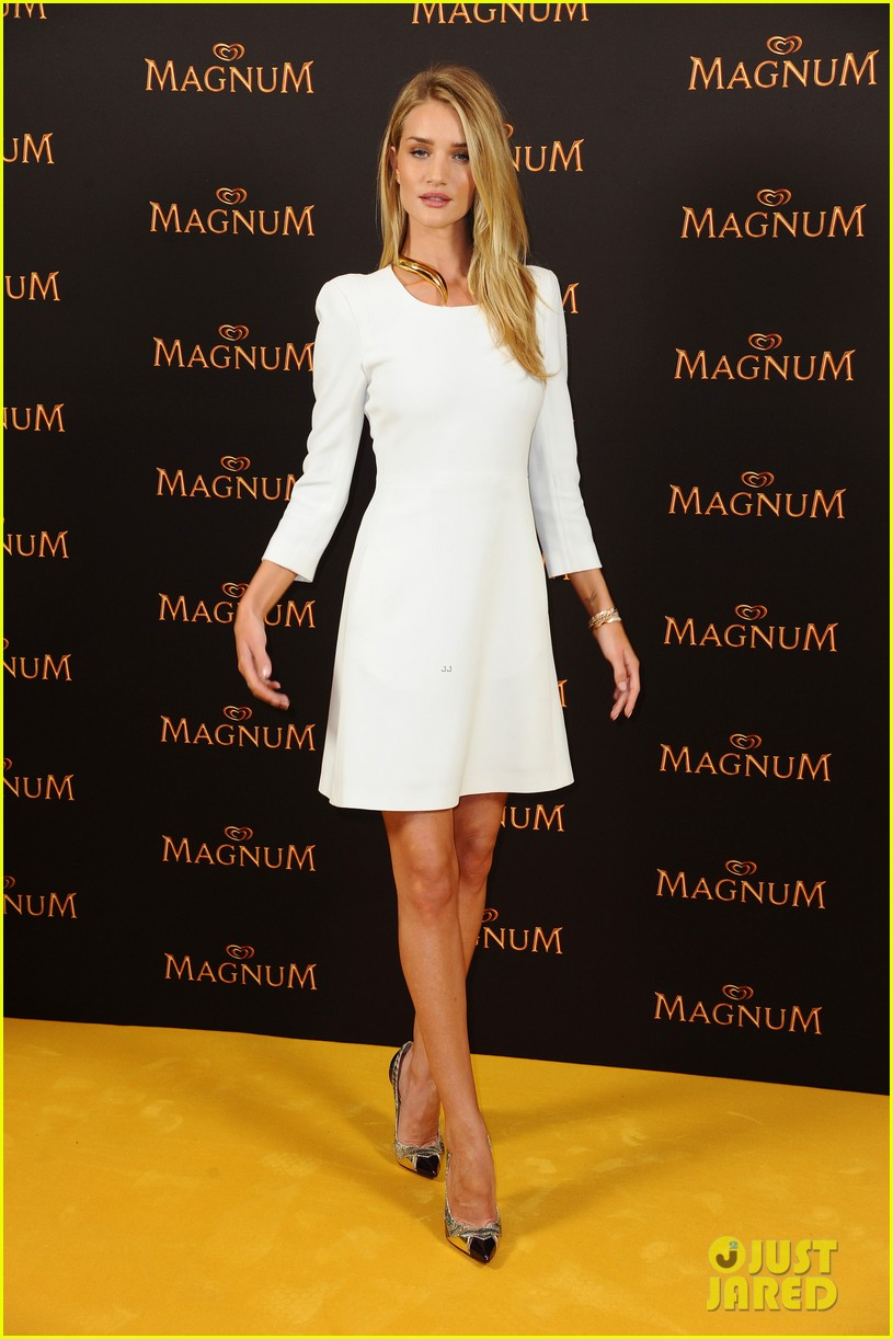 rosie huntington whiteley debuts new magnum short film 14