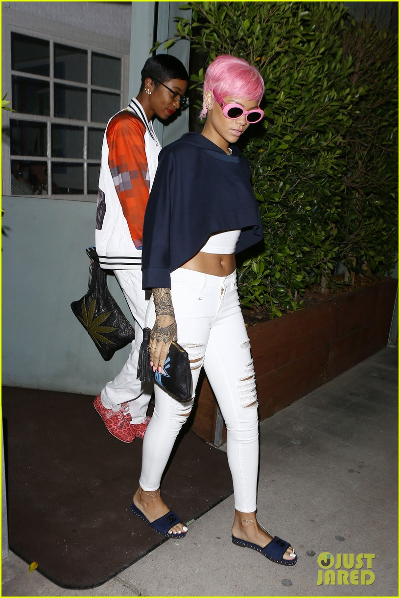 rihanna is lady in pink for dinner outing 023119719
