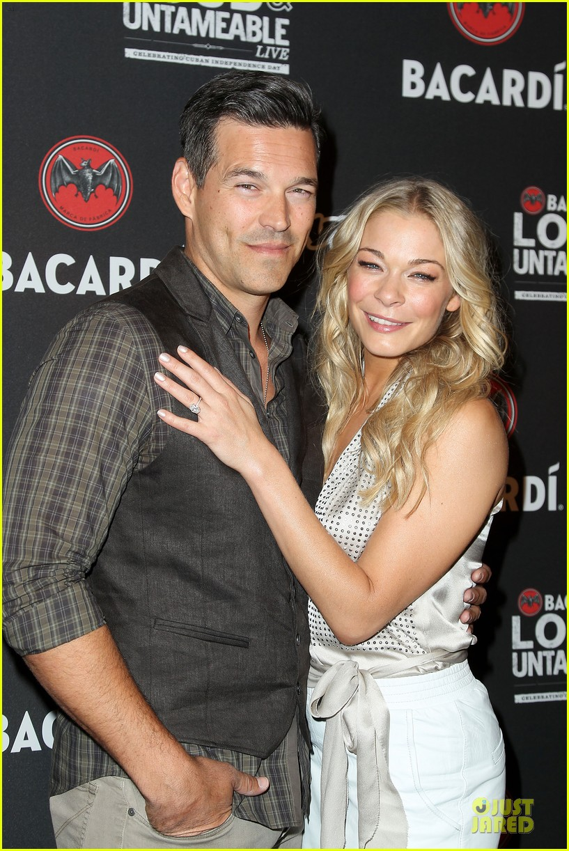leann rimes eddie cibrian untameable couple in nyc 02