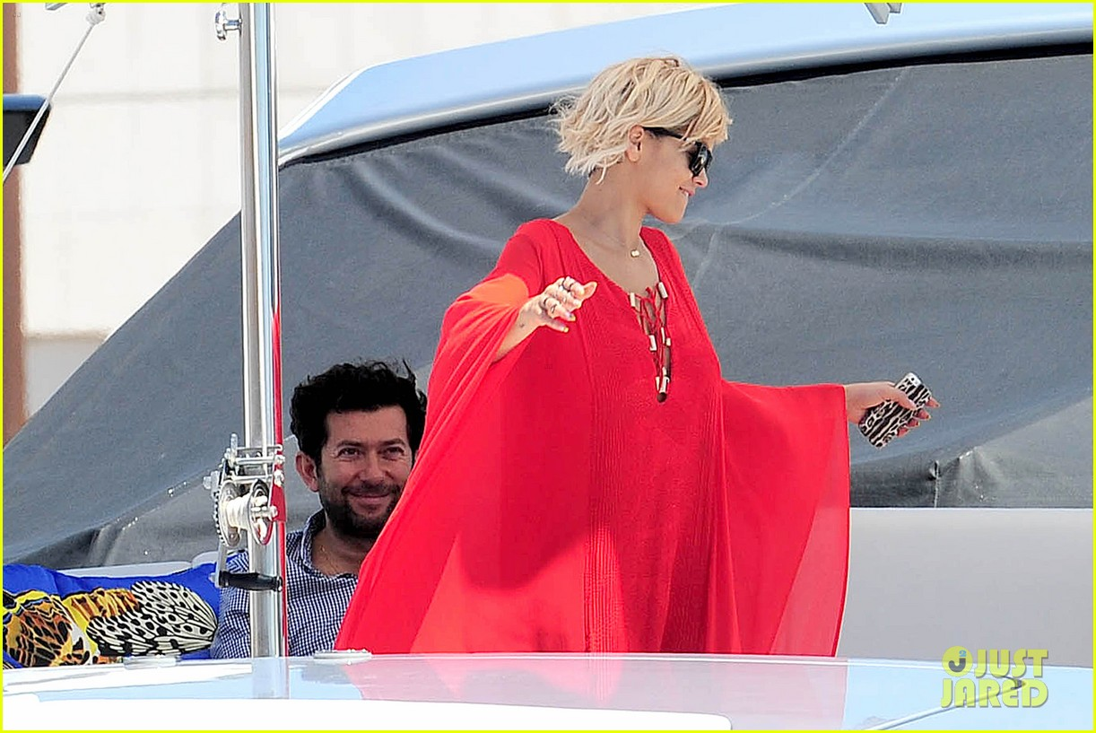 rita ora yacht cannes belvedere london 243115934