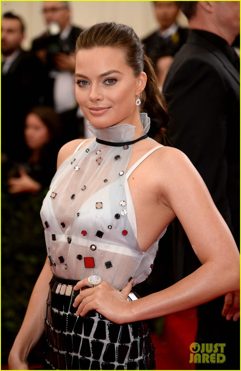 margot robbie met ball 2014 10