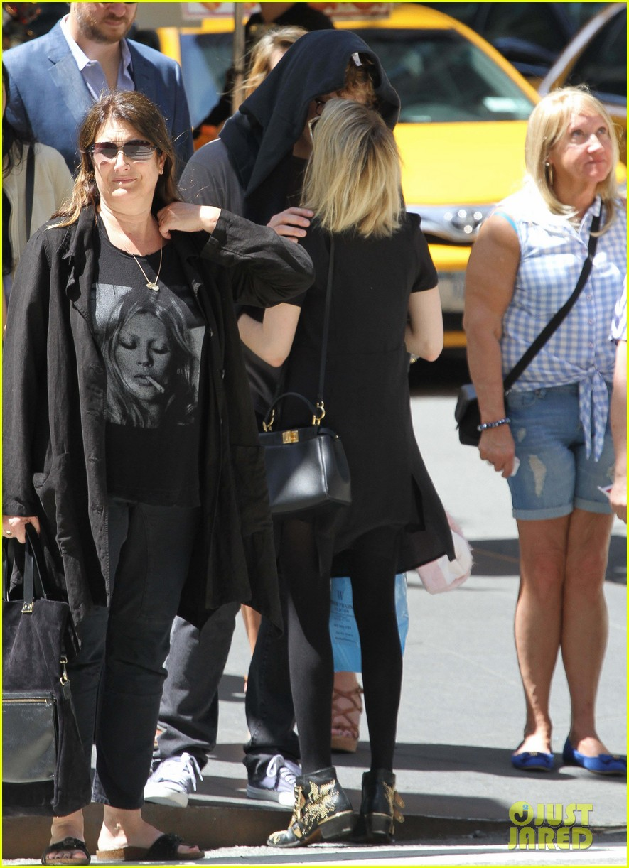 emma roberts saw palo alto co star james franco broadway play 12
