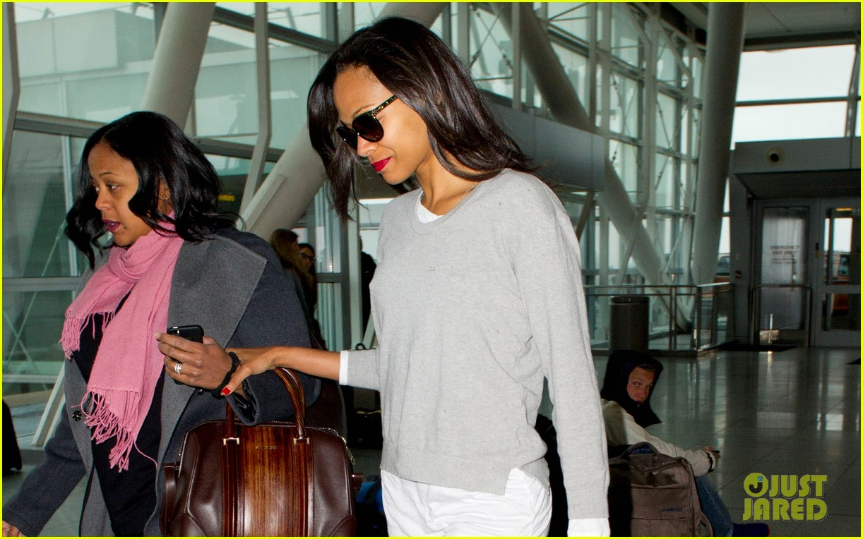 zoe saldana hopes her webseries will inspire people to be thankful 023103026