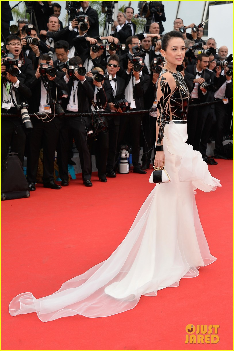 zoe saldana ziyi zhang epitomize class at cannes opening ceremony 083113212