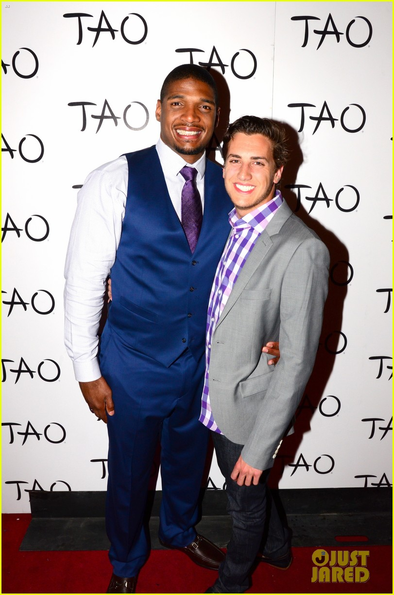 michael sam boyfriend vito party in vegas after nfl draft 053111476